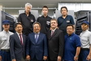 The Hokuriku Sunrise and Heidelberg teams are looking forward to maximizing productivity with the Heidelberg Subscription contract.