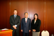 With the Japan Label Federation in 2005