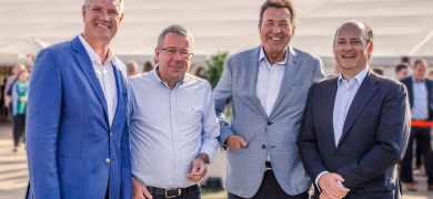 Holger Jeurink (second from left), former owner of Bandstahlschnitte Jeurink and ImaPack Stanzformen, next to Wink shareholders (R-L) Ferdinand Oetker, Günther Skrzypek and Alan de Natris