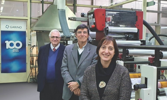 L-R: Director Jorge Garrido, director Guillermo Garino, and executive director Carina Conte, in front of one of Garino Hermanos' three Nilpeter presses