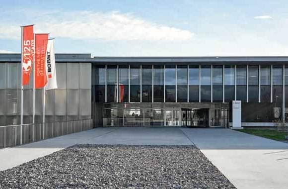 After more than 10 years of dedicated service in Bobst Group's Executive Committee, Stephan März, head of Business Unit Printing and Converting and Julien Laran, head of Business Unit Services and Performance, will leave the company on December 31, 2021