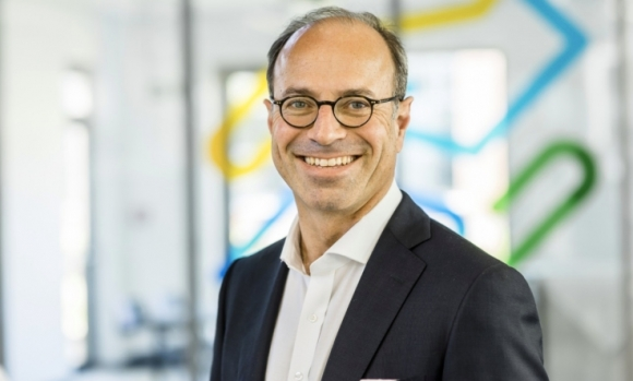 As part of the adjustment of the organizational structure Prof. Dr. Ulrich Hermann will leave the company by mutual agreement at the end of the current financial year 2019-20.