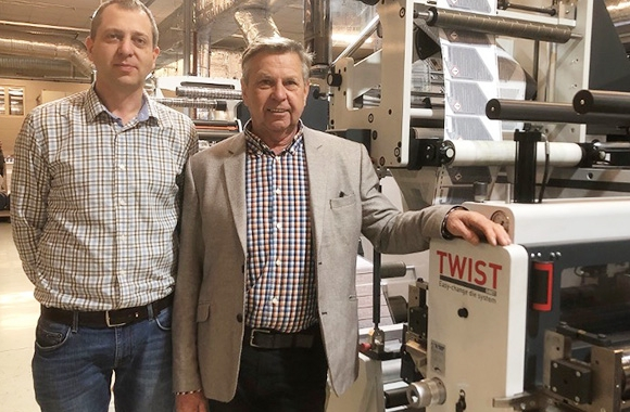 L-R: Péter Markό and Janos Markό with Omet X6.0 press recently installed at Druk-ker