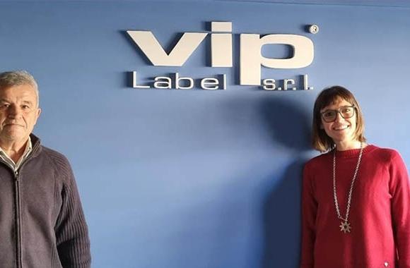 L-R: Leandro Serrano, owner of VIP Label and Cecilia Mendoza, sales manager of Lumila, Epson, and GM representative for Argentina, Uruguay and Paraguay.