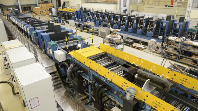 The two long Rapida 106 presses for Amcor Tobacco Packaging during final assembly at KBA-Sheetfed in Radebeul