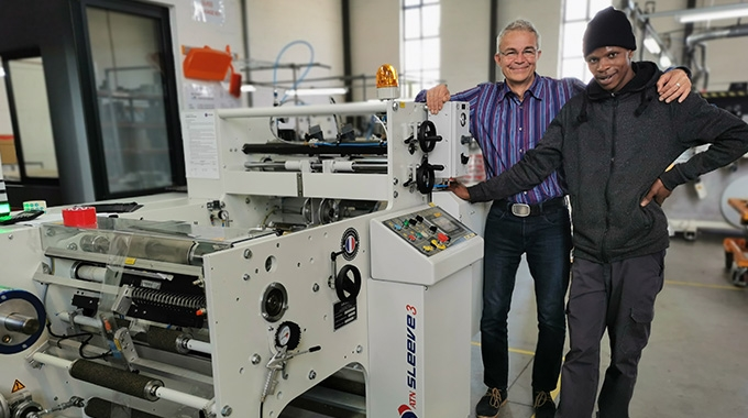 Uwe Bögl with operator Anda Boyta. Bögl describes the DCM ATN Sleeve3 as a 'gamechanger' – particularly for the production of shrink sleeves for the cosmetics market