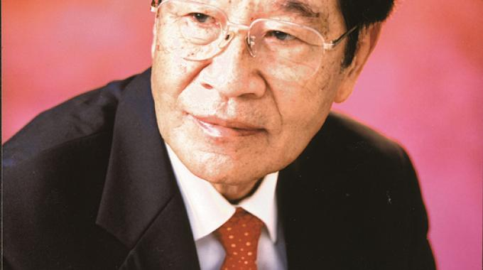 Professor Tan, the first Chinese winner of this prestigious award, is highly regarded and respected as the true founder and motivator of China's label and packaging printing industries