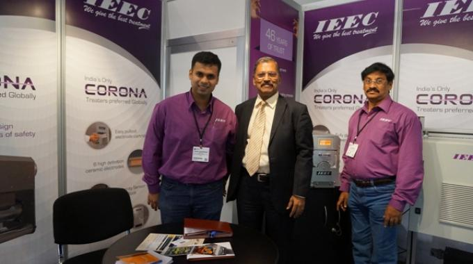 Rohit deshpande, director at IEEC (left) during Labelexpo Europe 2015