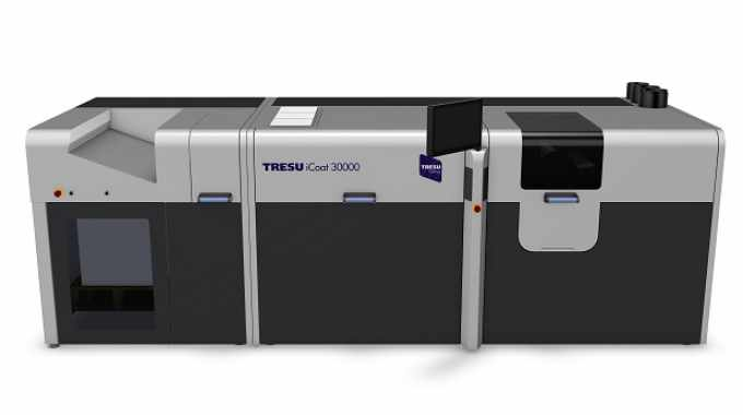 The HP Indigo press and integrated Tresu coater provide a single-pass printing and coating line with minimal waste and set-up times for gift boxes, while bags are digitally printed then laminated near-line