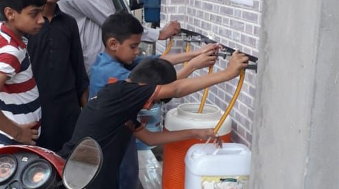 British label converter AA Labels has made a major donation as part of its charity activities by installing a water treatment plant outside the free health clinic the company runs in Lahore, Pakistan.