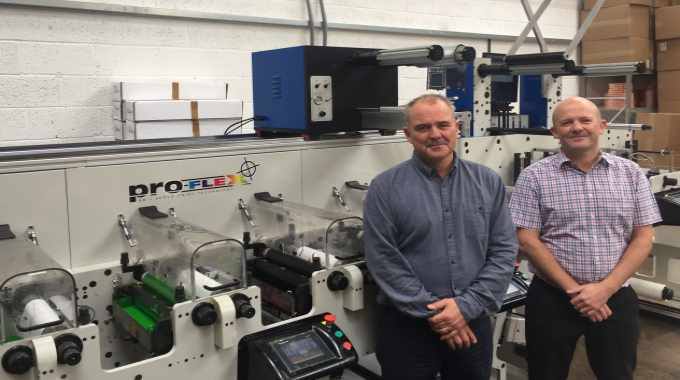 L-R: Matt Gregory and David Gregory of Advance Labels with the Proflex SE from Focus Label Machinery