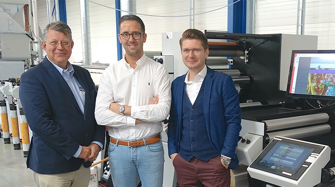 L-R: Maarten van Bergeijk, Packtion; Michaёl Thorrez and Timo Donati of Flexprinter with new Mark Andy P7E flexo line