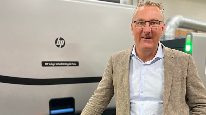 Cees Schouten, operations director at Geostick Group in from of one of the older WS6800 presses