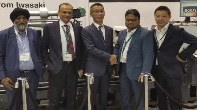 Vinsak and Iwasaki teams with Anvar PB of Star Labels at Labelexpo Europe 2019