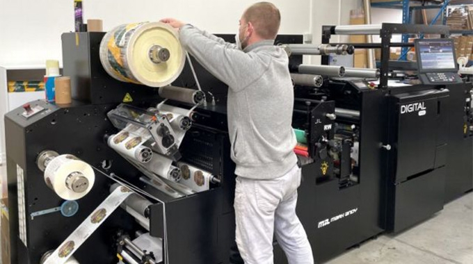 PrintPoint, a Czech-based digital printing house, has installed Mark Andy Digital Pro 3, a toner-based digital hybrid press to add label production as a new revenue stream