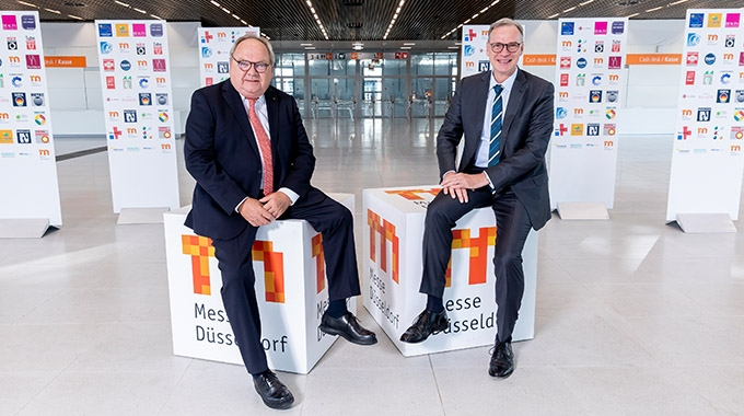 L-R: Werner Dornscheidt, outgoing CEO and Wolfram Diener who has been appointed new CEO of Messe Düsseldorf
