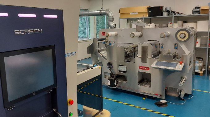 Screen Europe has acquired a Refine Compact 2 finishing unit and a web buffer module for its Solutions and Technology Centre at the European headquarters in Amstelveen