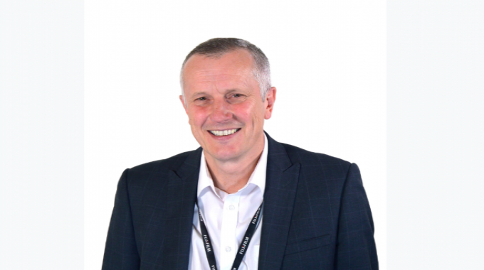 Andy Kent gets promoted to divisional manager of the UK Graphic Systems