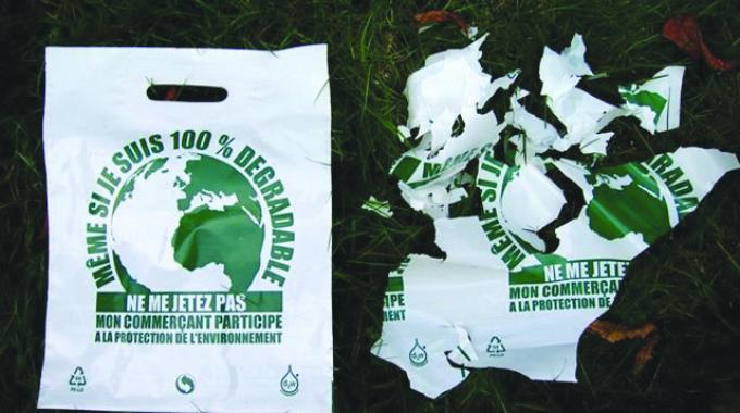 Pakistan moves to ban non-degradable plastic products | Labels