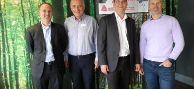 Andrew Zwicky of Avery Dennison, Tom McLaughlin of Woolworths, Mark Ellis of Avery Dennison and Grant Watson of Rotolabel represented the triumvirate of companies involved in this worthy initiative