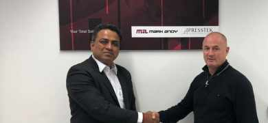 Gourav Roy (left), FIG managing director, and Ian Pollock (right), EAMER director, Presstek