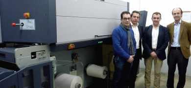 Adhesivos del Segura installs Durst Tau 330 RSC