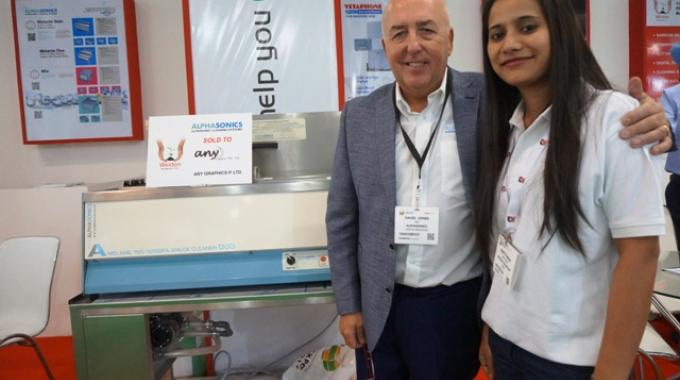 David Jones, managing director at Alphasonics with Swati from Weldon Celloplast after announcing the sale of Alphasonics Melanie Duo cleaning system to Anygraphics on the first day of Labelexpo India