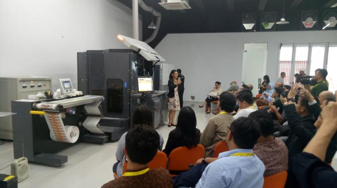 HP demo center opens in Jakarta