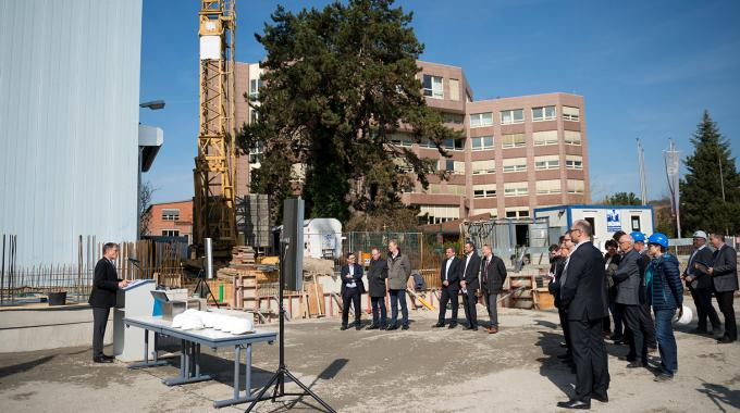 The new demo center in Würzburg is being built directly adjacent to KBA's administration building