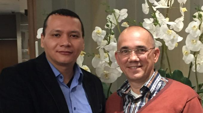 Eric Hoendervangers (right), MPS commercial director, with John Villalobos, founder of Fencsa, one of the Dutch press manufacturer's new agents in South America