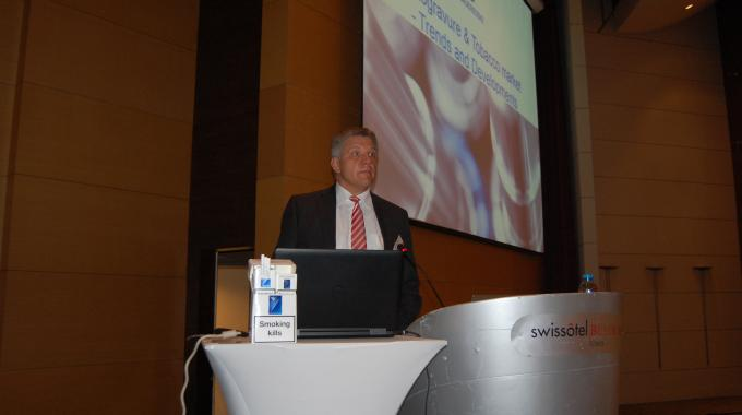 Stephan Lammers of Saueressig presented trends and developments in gravure printed tobacco packaging