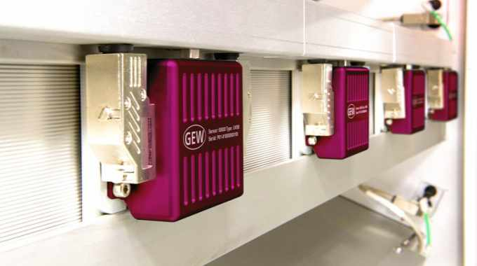 With up to five sensors per lamp monitoring once a second, unprecedented control over the UV curing process can be achieved