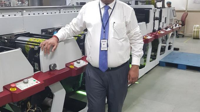 Sanjeev Sondhi, director operations at Zircon Technologies with the new Mark Andy Performance Series P7