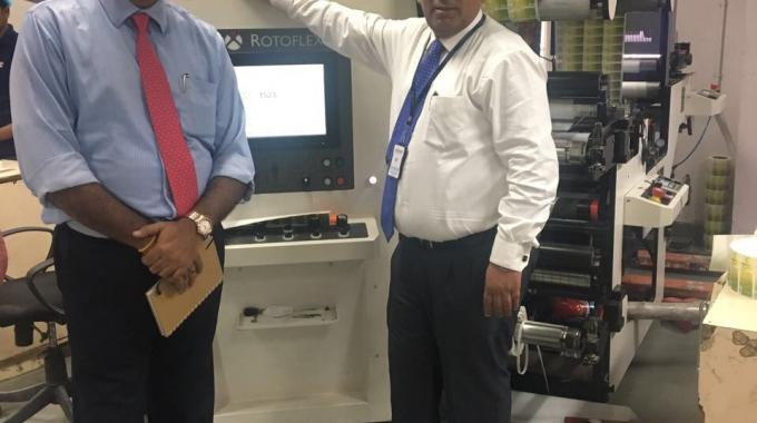 Gourav Roy of FIG (left) with Sanjeev Sondhi of Zircon Technologies with the new Rotoflex VSI 330