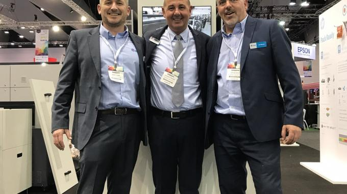 Pictured (from left): Mark Daws, Currie Group labels and packaging division general manager; Omet area sales manager Claudio Piredda; and Currie Group technical manager Jon Murray, pictured at PacPrint 2017