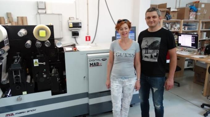 Sylwia and Miroslaw Dudek chose the Mark Andy Digital One press for its ability to handle Primera's short-run work in one pass