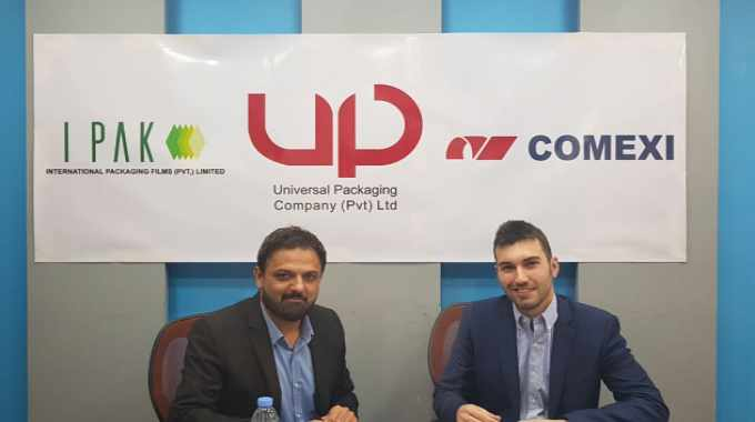 Naveed Godil, CEO of Universal Packaging and International Packaging, and Fran Perez, Comexi area manager in this region