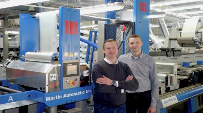 Maciej Malesa (left) and Leszek Zelazny (right) report significant improvements in efficiency and waste levels now they have Martin Automatic technology fitted to the Gallus RCS 330 installed at Mal-Pol