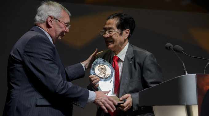 Professor Tan won the 2017 R. Stanton Avery Lifetime Achievement Award, updated to the R. Stanton Avery Pioneer Award in 2018