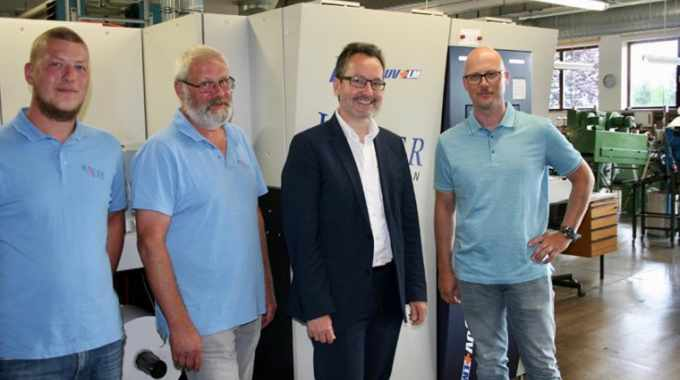 Hauer Etiketten has invested in a Screen Truepress Jet L350UV+LM
