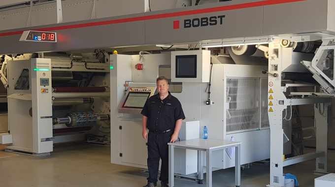 Neil Porter has more than 30 years' experience in the printing industry