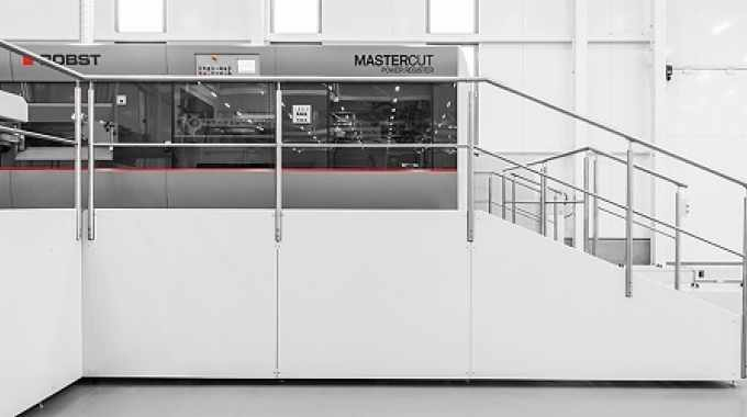 The three flatbed die-cutting machines are equipped with latest Bobst die-cutting technology, such as state-of-the-art register systems, intelligent feeders and quick-change tooling