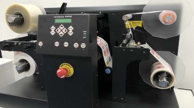 Eclipse Mini features self-wound lamination as standard, digital cutting, roll to re-roll, slitting and rewinding, and waste matrix stripping as standard