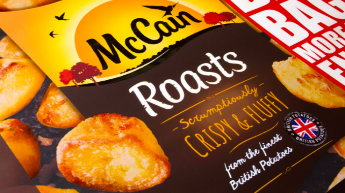 Flexo print on film, reverse print – medium (gold)/Best in Show (gold) for McCain Roasts Big Bag by Amcor Cumbria